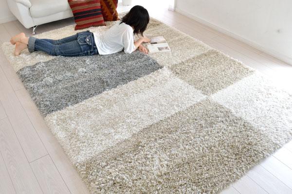 丈夫で湿気を取り込みにくく、汚れに強い素材を使用しています。